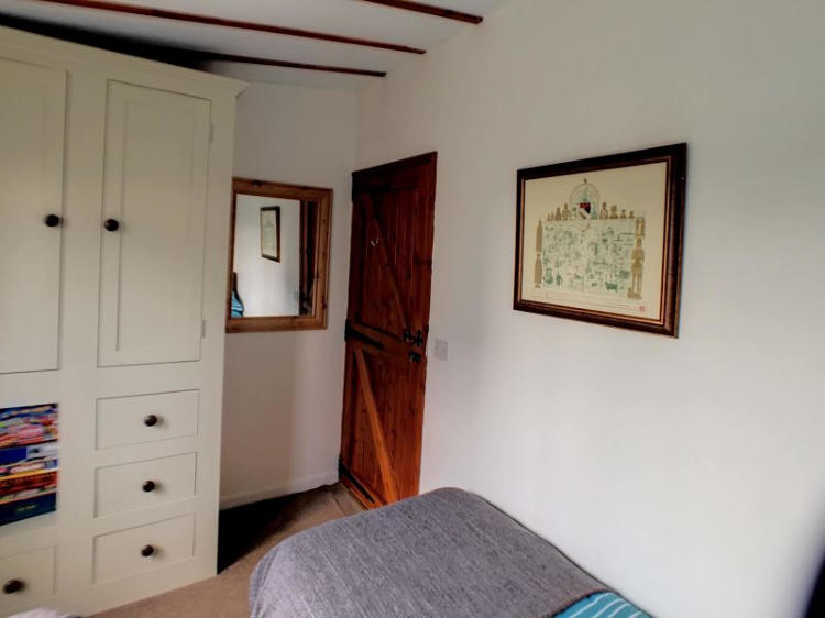 Swallowdale twin bedroom