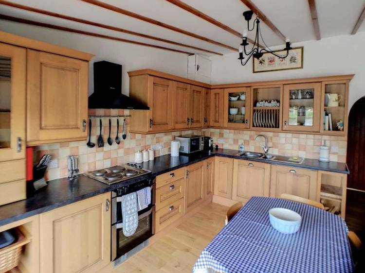 Norfolk Broads Riverside Cottages - Swallowdale kitchen / diner